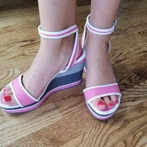 Pretty Pink, Grey, White Wedge 😍